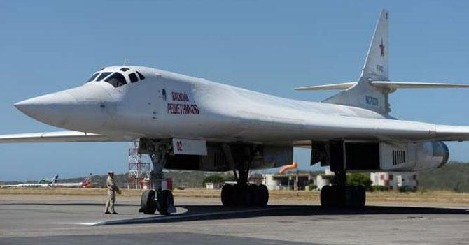 China le declara la guerra a Rusia por aterrizar aviones en su territorio