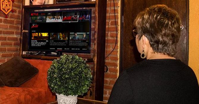 Mamá lleva 5 días buscando Antena 3 en Netflix