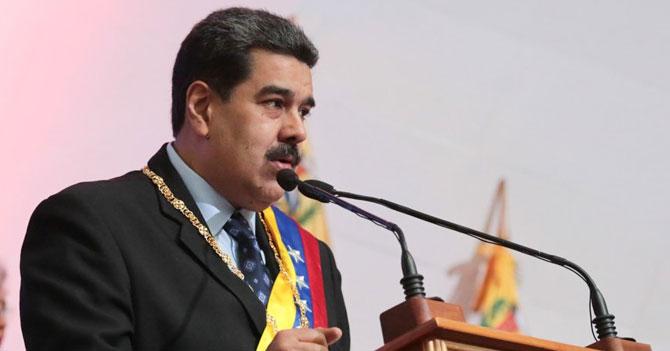Maduro interrumpe eructo para dar anuncios económicos