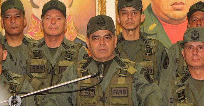 Padrino López asegura que sus soldados están dispuestos a morir por Maduro si el hambre no los mata primero