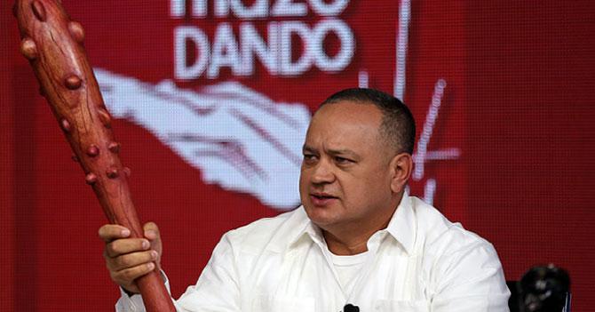 Diosdado amenaza a su propio mazo con meterlo preso si no defiende la revolución