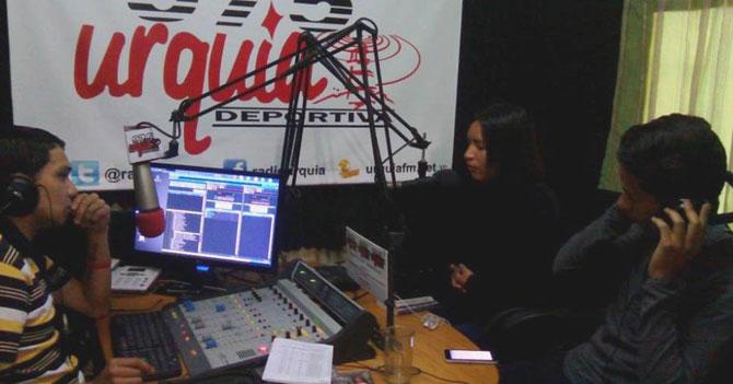Únicas 2 o 3 emisoras FM que quedan en Venezuela celebran el Día de la Radio
