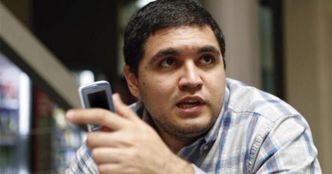 Tribunal condena a Luis Carlos Díaz a tuitear sólo desde un Vergatario