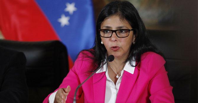 A solicitud de Maduro, Delcy Rodríguez escribe su carta de renuncia número 75
