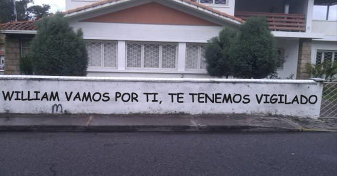 Graffiti de amenaza escrito con Comic Sans no cumple su cometido de amedrentar a diputado