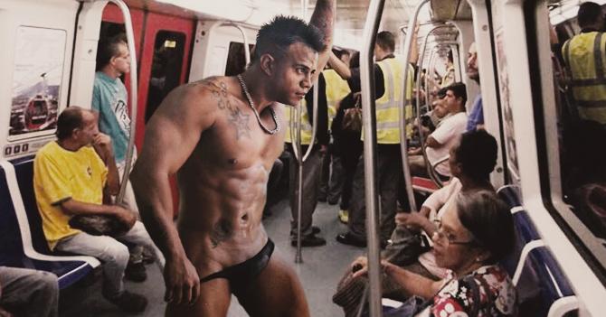 Stripper ambulante denuncia al Metro de Caracas por el mal estado de los tubos