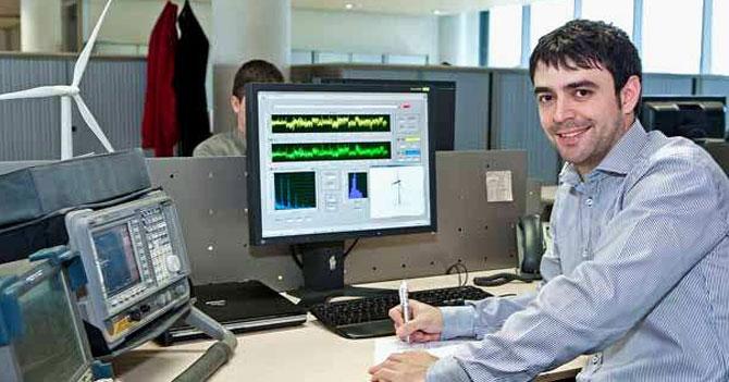 Retiran título de ingeniero en sistemas a joven que admitió no haber visto Naruto