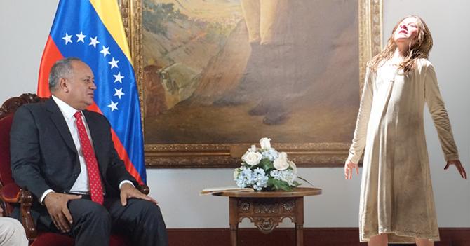 Medios internacionales afirman que Diosdado y EEUU negocian a través de mujer poseída