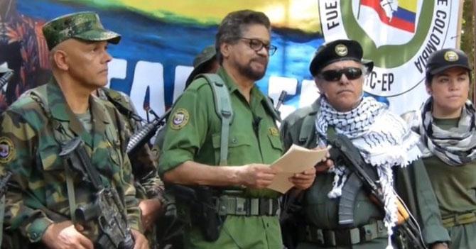 FARC vuelve a las armas tras darse cuenta que hacer dinero trabajando es difícil