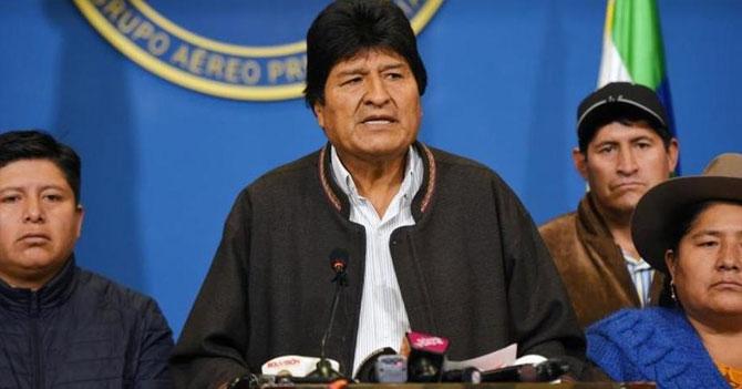 Bolivia saca del poder a presidente autócrata por el que votarán en 4 años
