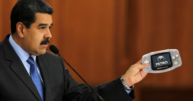 Maduro anuncia que solo se cobrarán Petros usando Gameboy Advance edición transparente