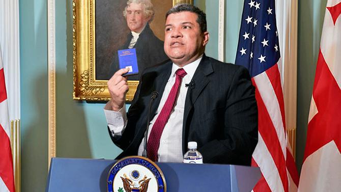 Luis Parra se autoproclama director del Departamento de Estado