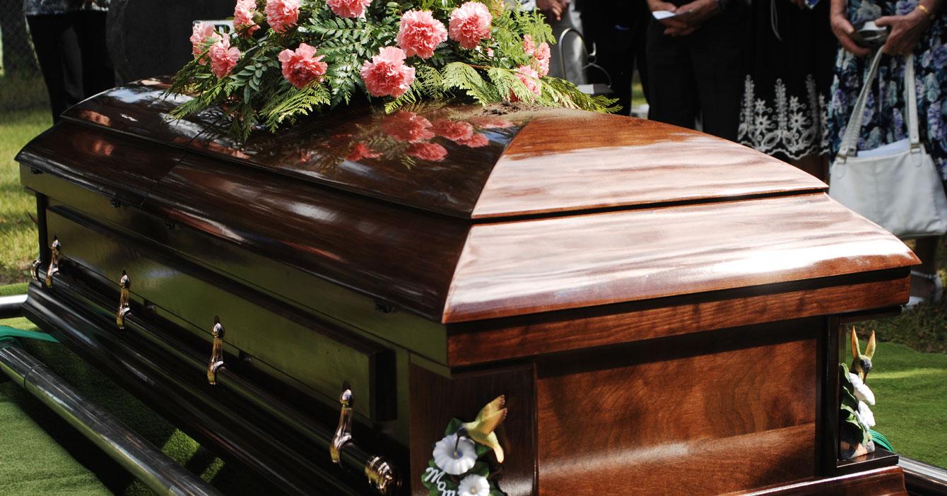 Muere abuelo para escaparse de videollamada familiar