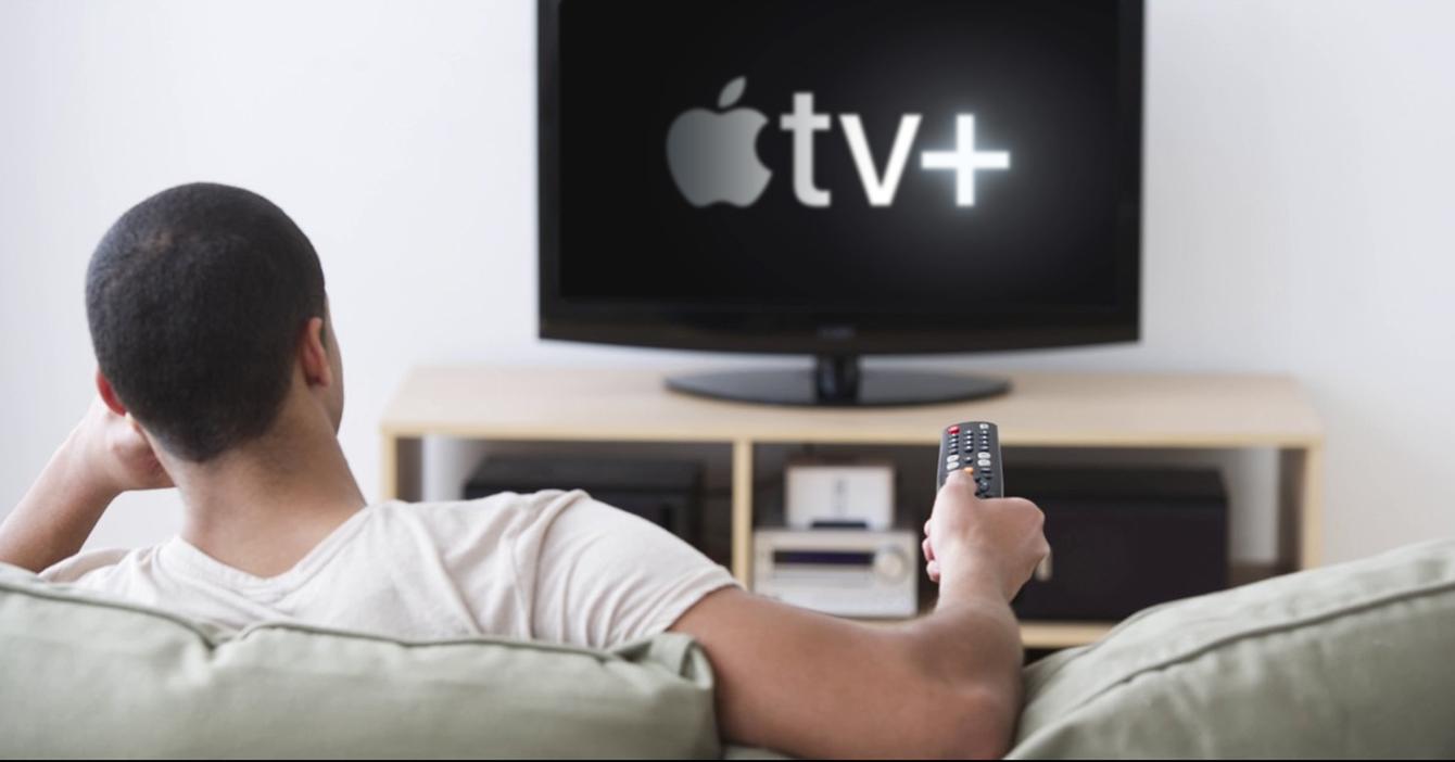 Estudio demuestra que todos siguen ignorando al chamo que recomienda películas de Apple TV+