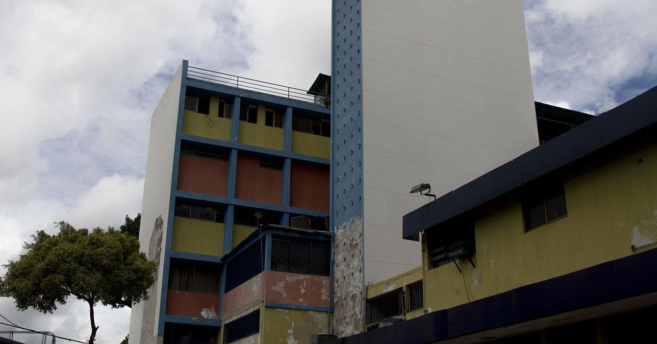 Gobierno habilita edificio en ruinas para recibir enfermos de COVID-19 y descubre que era un Hospital