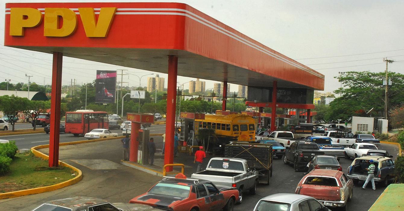 Sismo de 5.4 no logra mover ni un centímetro a cola de gasolina en Maracaibo