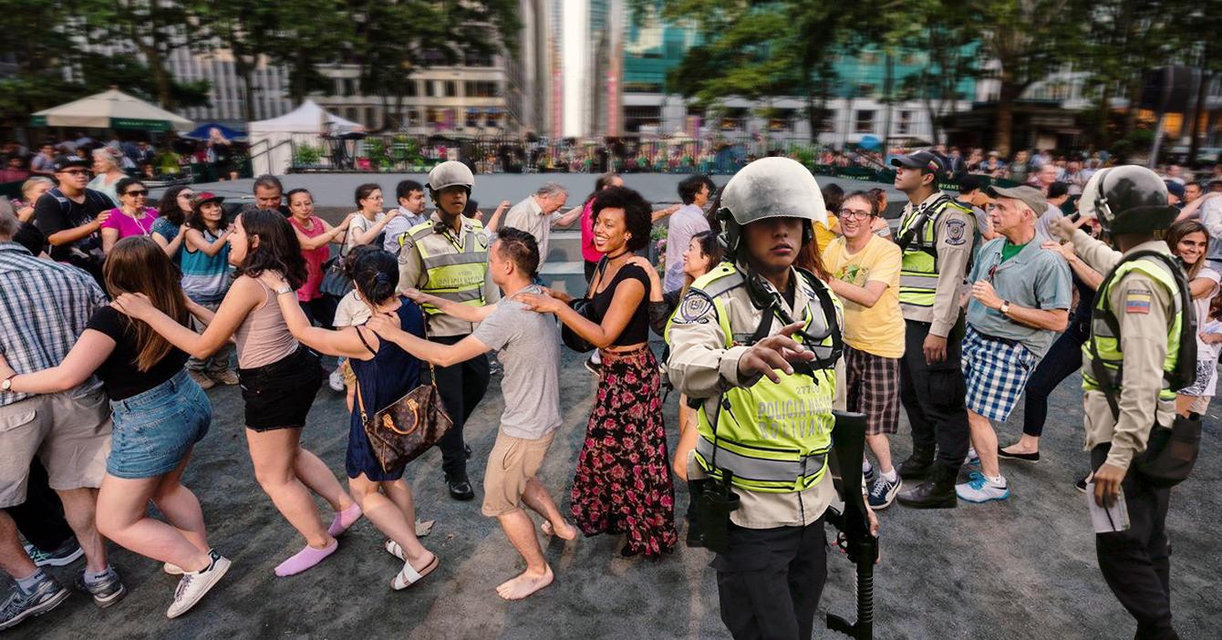 Policía se lleva a participantes de fiesta clandestina para el comando en una línea de conga