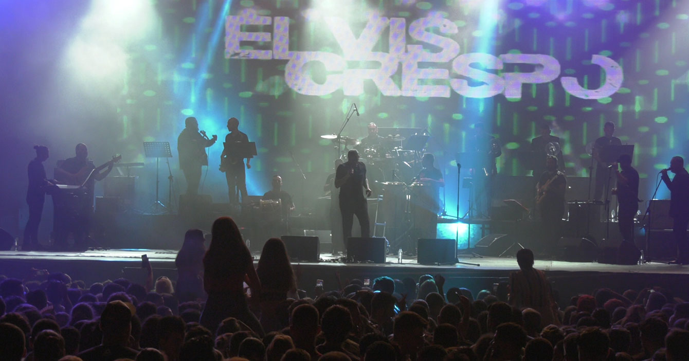 Concierto de Elvis Crespo hace que se rompan todos los protocolos de distanciamiento social en Inglaterra
