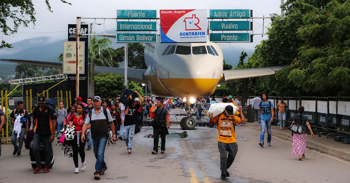 Avión atrapado en Venezuela por suspensión de vuelos emigra por Cúcuta