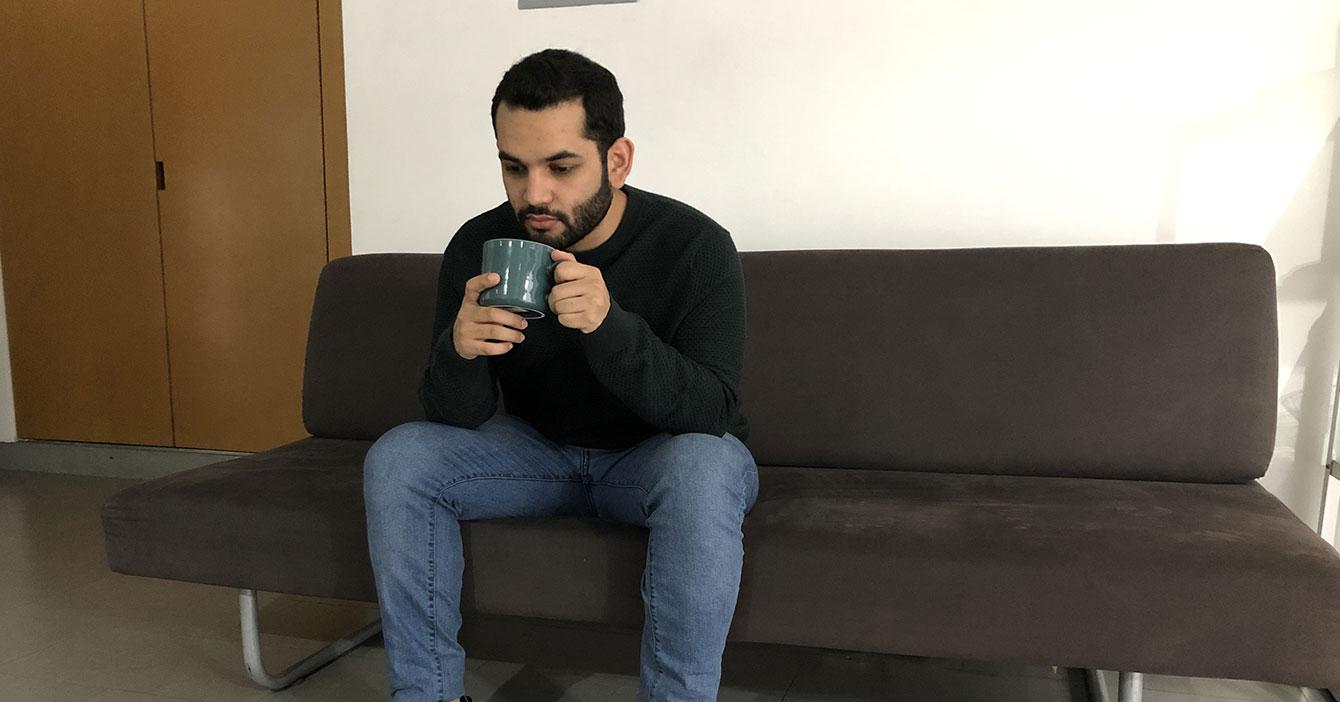 LA BONDAD HECHA PERSONA: Maduro deja que venezolano tome un café