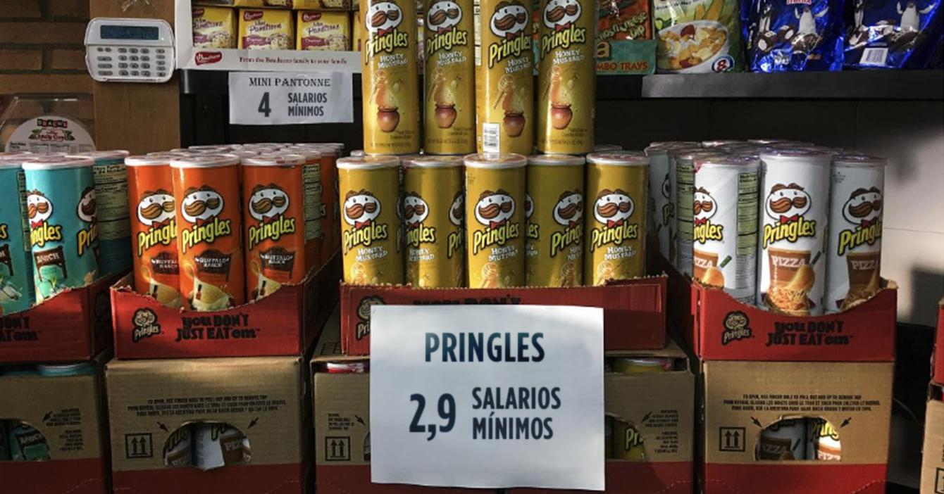 Bodegón etiqueta precios de sus productos en sueldos mínimos