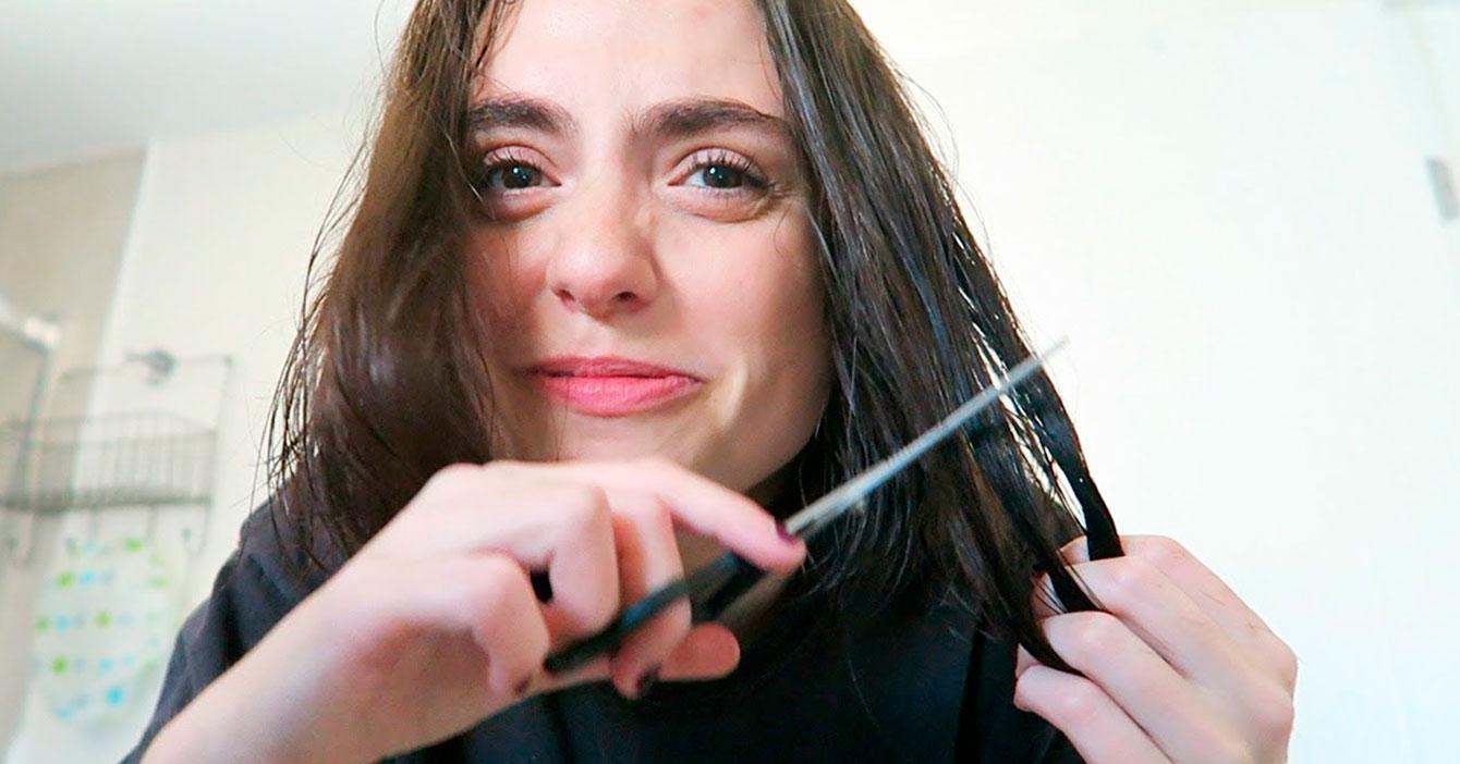 """""""Estoy demasiado feliz con el largo de mi pelo"""", dice chama antes de cortárselo por las orejas"""