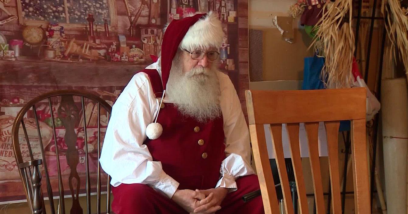 """Santa adelanta la Navidad al 15 de octubre """"para que este año se termine ya, marico, basta"""""""