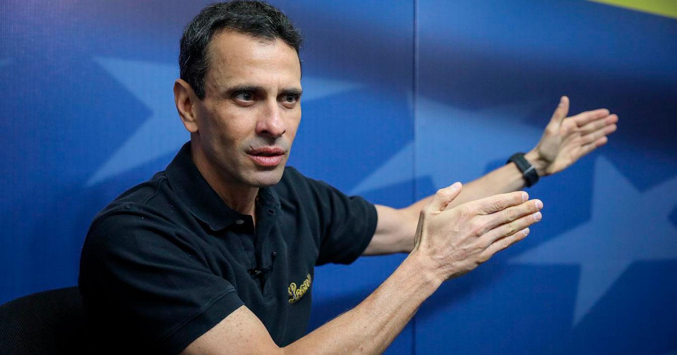 Capriles indignado descubre que quizás vivimos en una dictadura