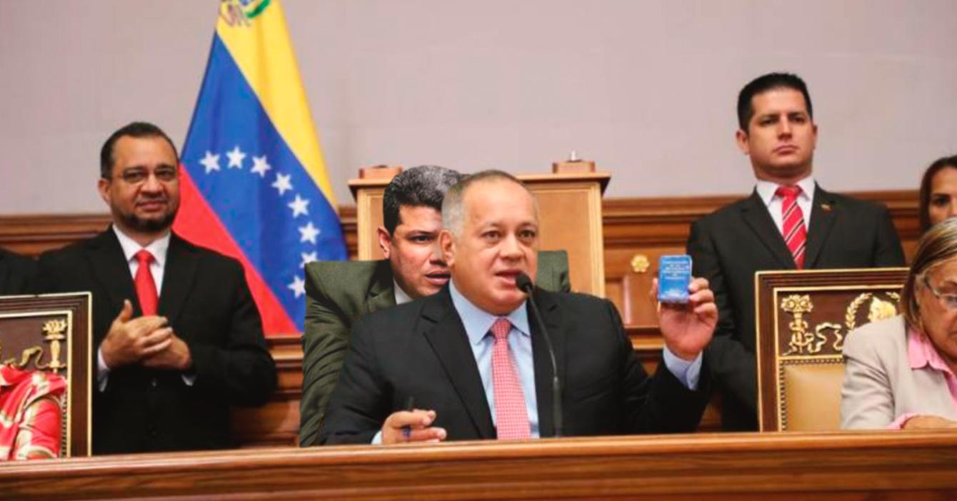 Luis Parra entra al hemiciclo como nuevo asiento de Diosdado