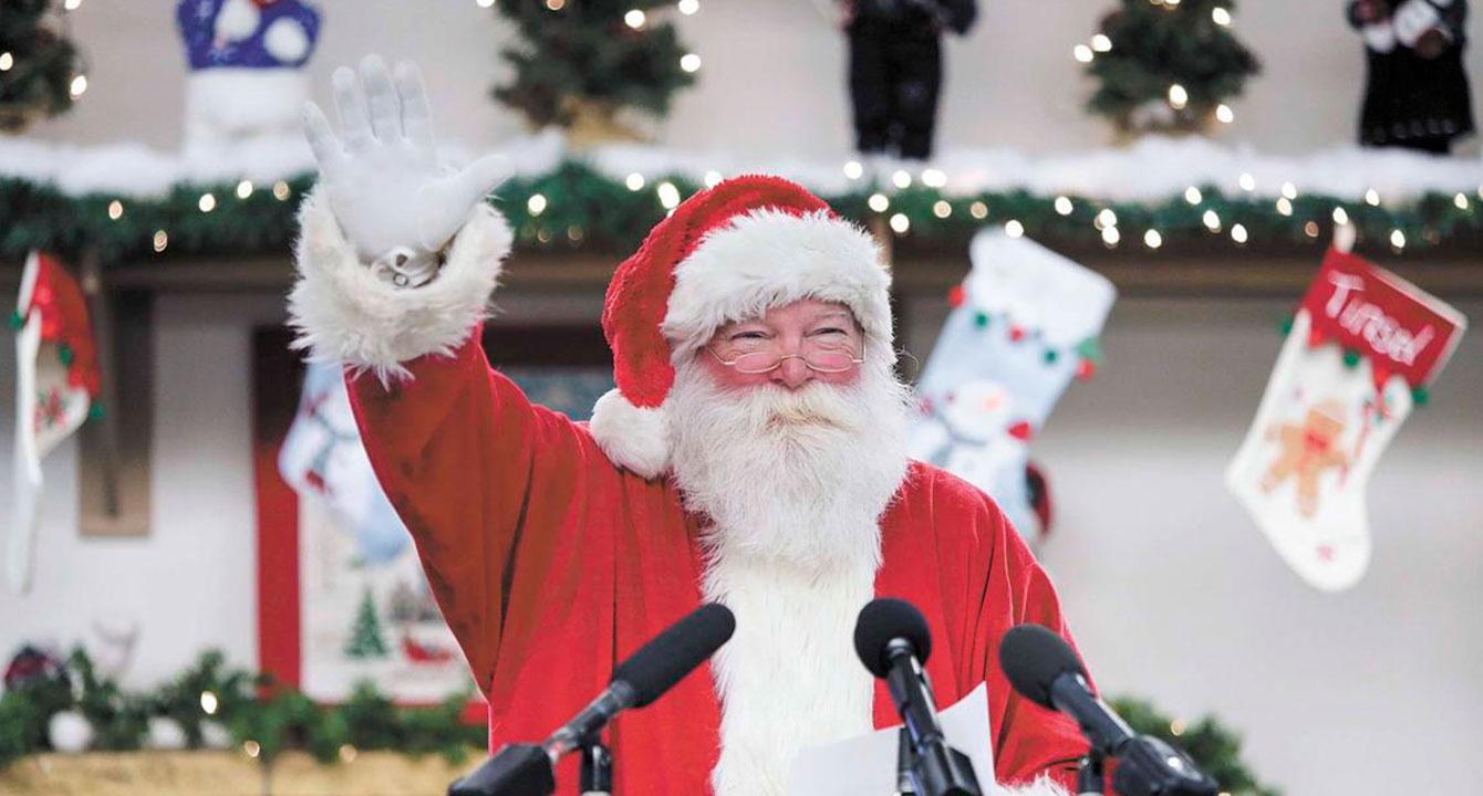 Santa Claus anuncia que venezolanos tendrán que buscar su regalo con un primo suyo en Panamá