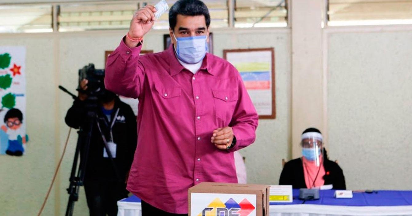 Para resguardar la democracia, Maduro asegura que contará los votos él mismo