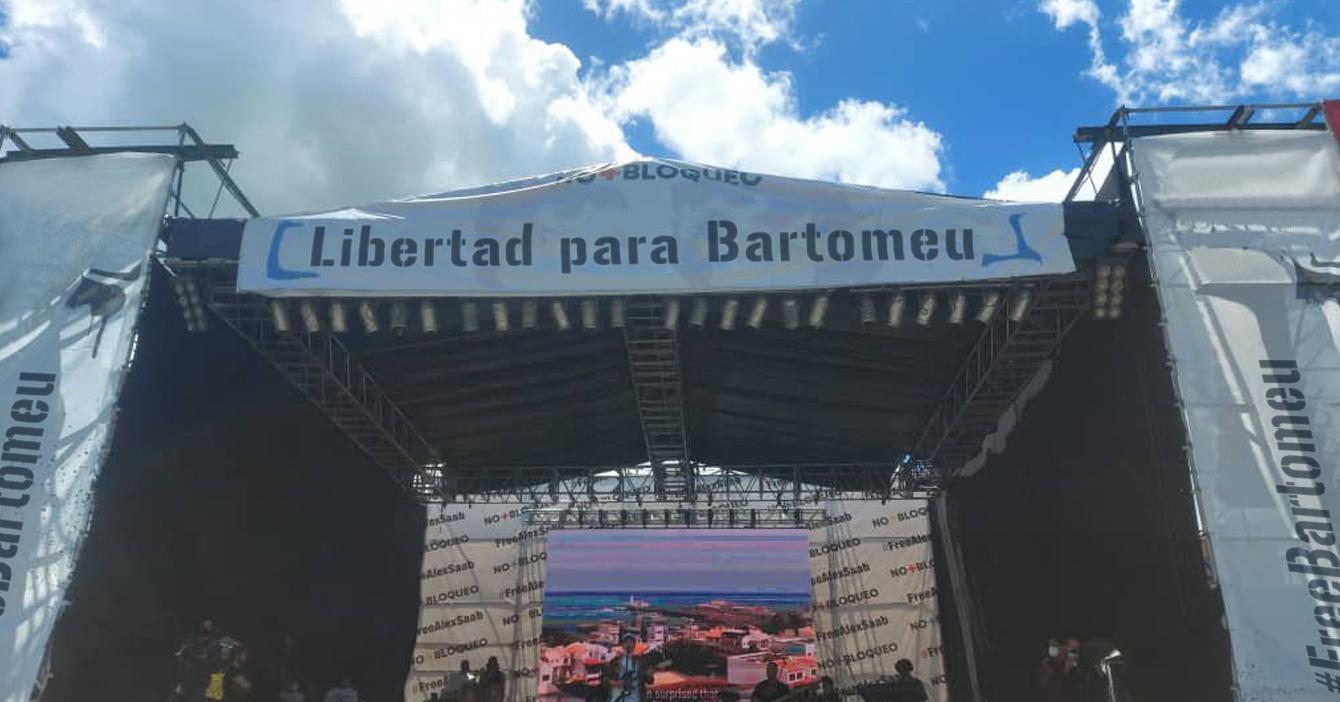 Luego de ser detenido, gobierno organiza concierto #FreeBartomeu