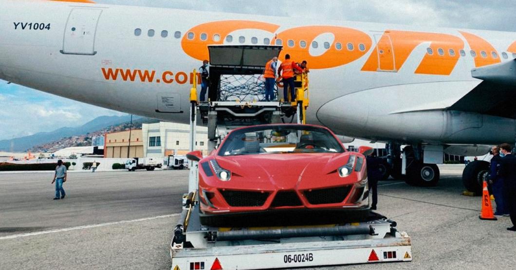 Por error, gobierno importa 3.000 Ferrari Spider en lugar de la vacuna