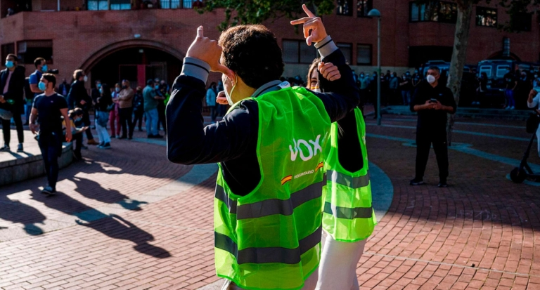 Joven en España apoya a partido político que prometió deportarlo