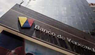 Banco de Venezuela contrata a María para compra-venta de dólares