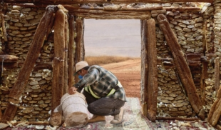 Albañil construye casa con pan Gluten Free