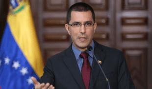 ¡ESTAMOS SALVADOS! Gobierno anuncia que ya viene Arreaza en un taxi con 15 vacunas más