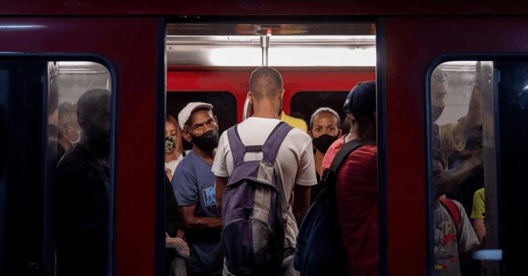 Para cuidar su salud, el COVID decide no usar Metro de Caracas