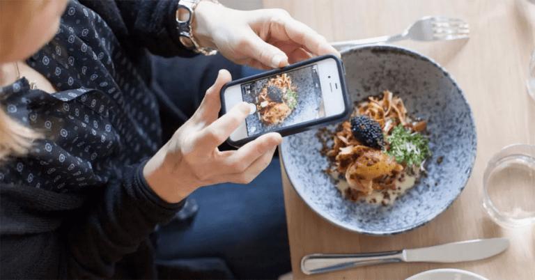 Tiktoker recomienda accesible restaurante donde cenó por tan solo 28 cestas básicas
