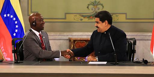 Gobierno venezolano agradece a Trinidad y Tobago por su cooperación en seguir jodiéndole la vida a los venezolanos