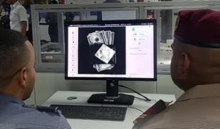 Guardia de Maiquetía confisca billetes de $100 que dieron positivo para la variante Delta