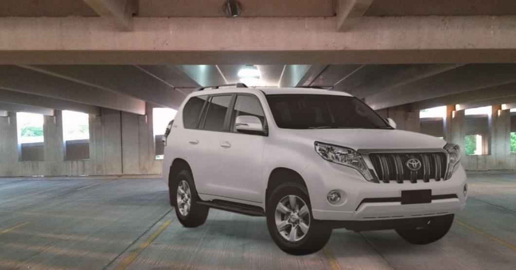 Toyotero considerado ocupa 2 puestos de estacionamiento en vez de los 4 habituales