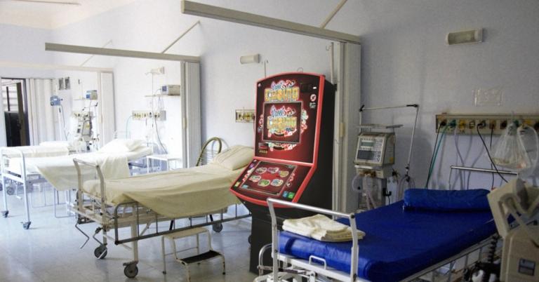 Gobierno dota hospital con máquinas tragamonedas
