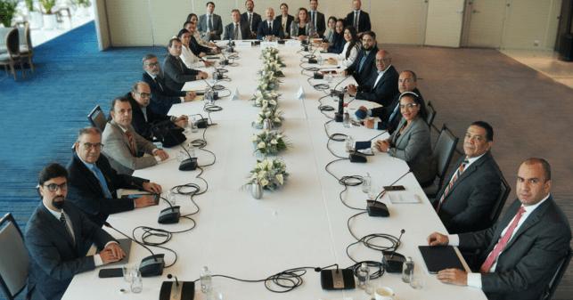 Gobierno y oposición se ponen de acuerdo en que después de la tercera temporada La Casa de Papel se fue a la mierda