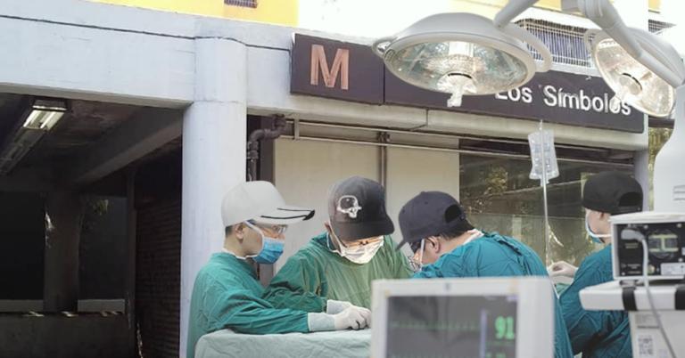 Buhoneros ofrecen trasplante de médula ósea en estación de Metro Los Símbolos