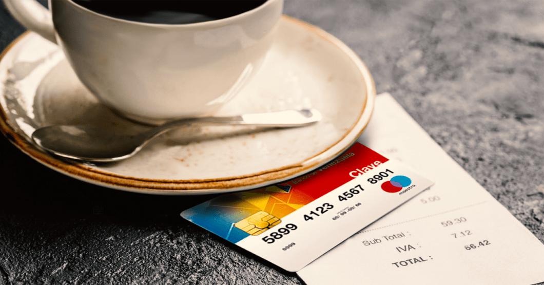 Cita que iba bien termina en desastre cuando chamo saca tarjeta del Banco de Venezuela